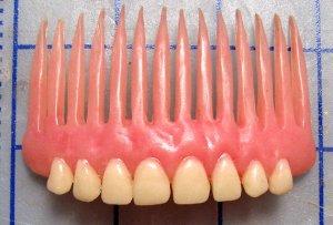 denturecomb